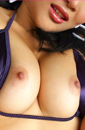 close up,hairy pussy,milf,nude,pussy,saiko kurosawa,sofa,solo girl,spreading,