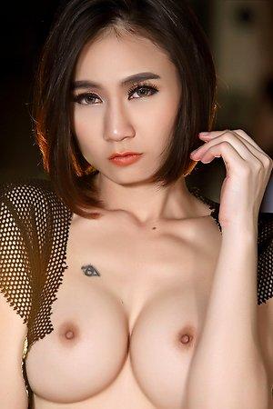 big tits,camel toe,ellie,nude,solo girl,sport,