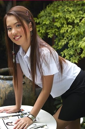 Asian College Girls galleries